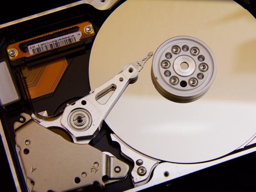 Festplatte geöffnet