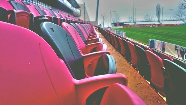 Sitze im Stadion